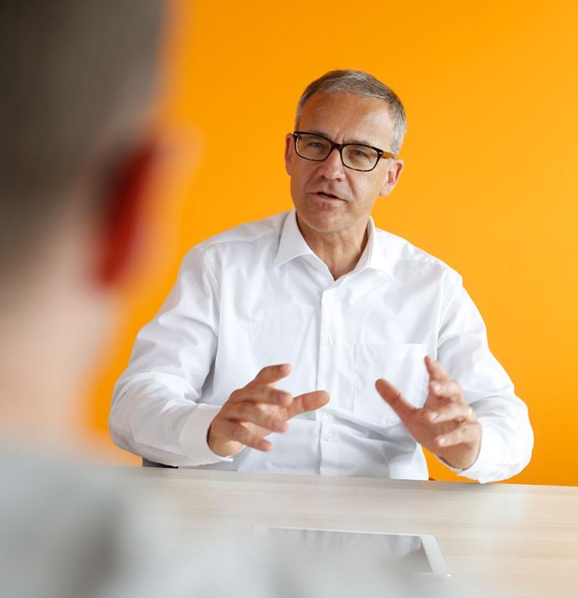 Ralf Komor - Executive Interim Manager